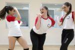 Alumnas de Stardanze en clase de danza