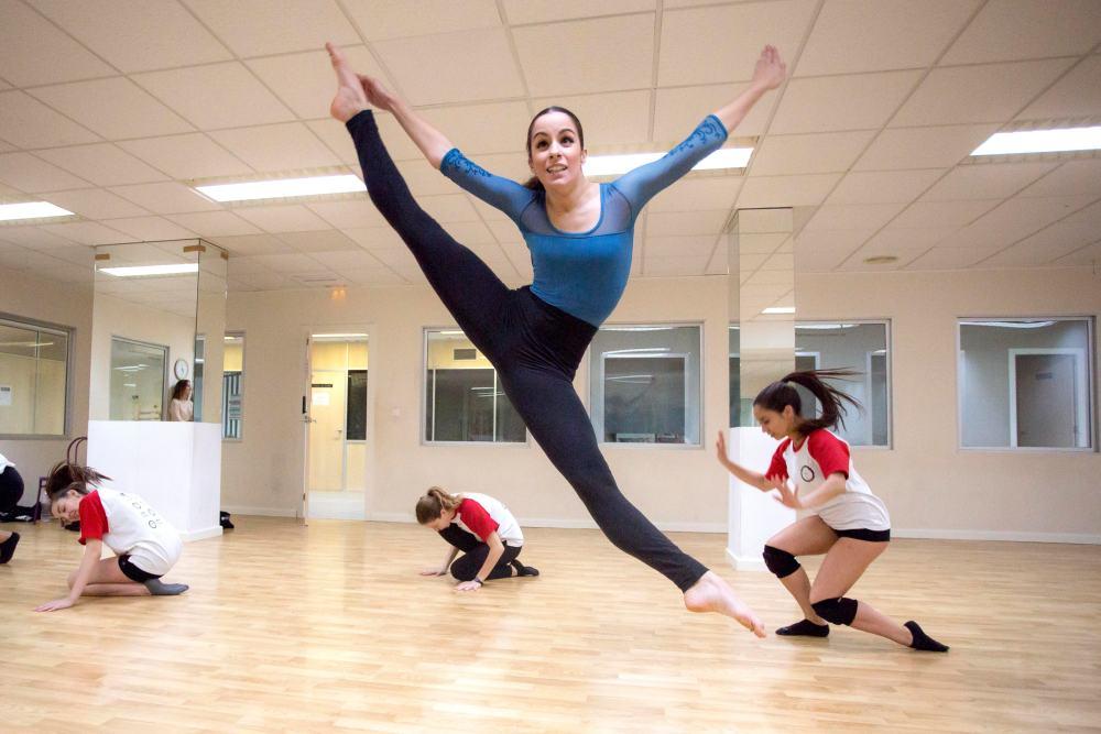 danza moderna - academia de baile stardanze