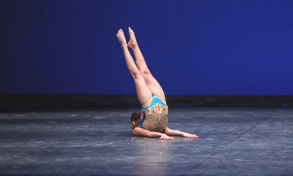Acro Dance - Stardanze